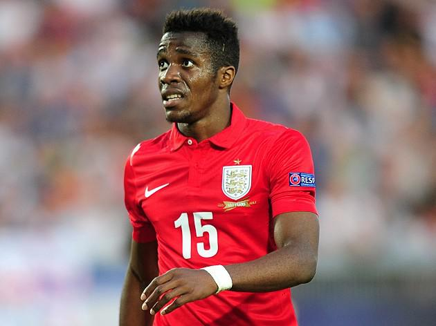 Moyes to give Zaha a chance