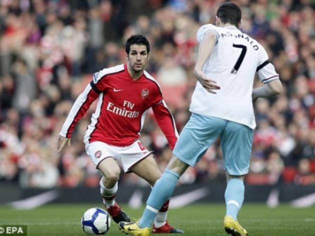 Fabregas needs a miracle to shake off hamstring injury in time for Hull clash