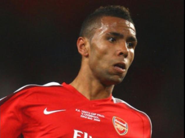 Nosworthy backs on-loan defender