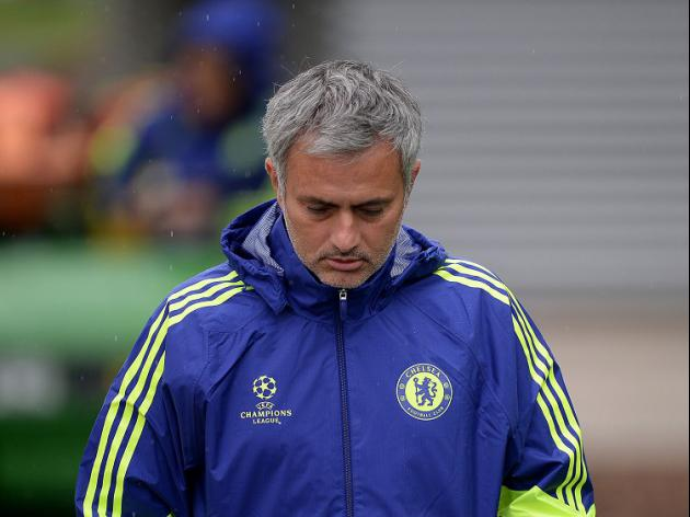 Mourinho calm over striker shortage