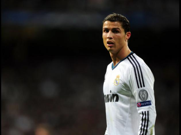 Agent urges Ronaldo to put off Manchester United return and remain in Madrid