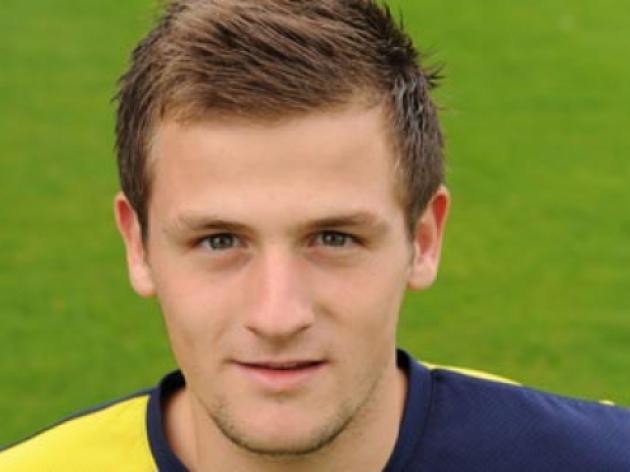 Leeds release midfielder Hatfield
