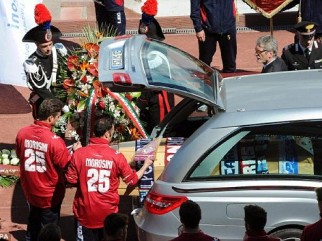 Thousands turn up for Morosini funeral