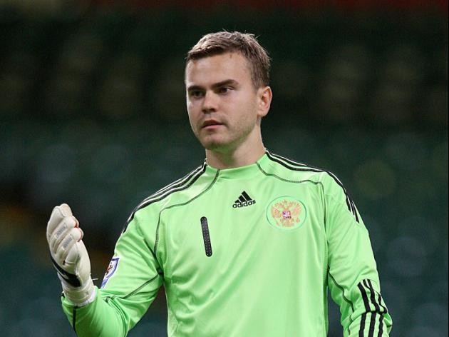 Akinfeev blunders as Russia draw