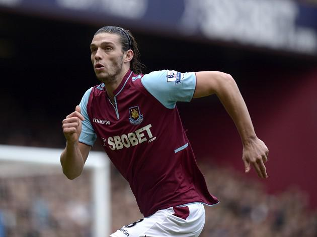 Carroll completes West Ham switch