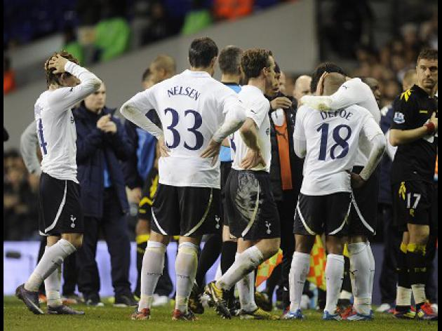 Muamba improvement lifts Spurs