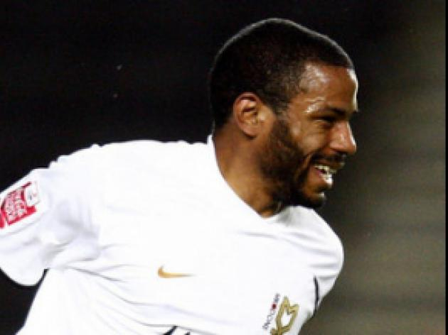 Puncheon hails MK Dons supporters