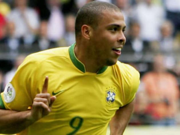 Sao Paulo hails goal-den boy Ronaldo