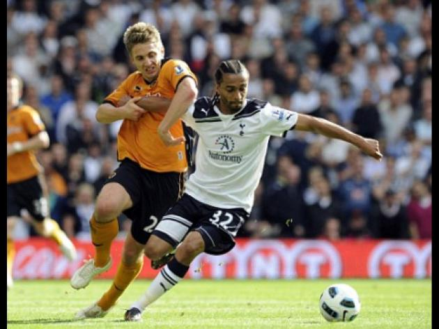 Spurs star Benoit Assou-Ekotto slams arrogant, greedy playboy footballers