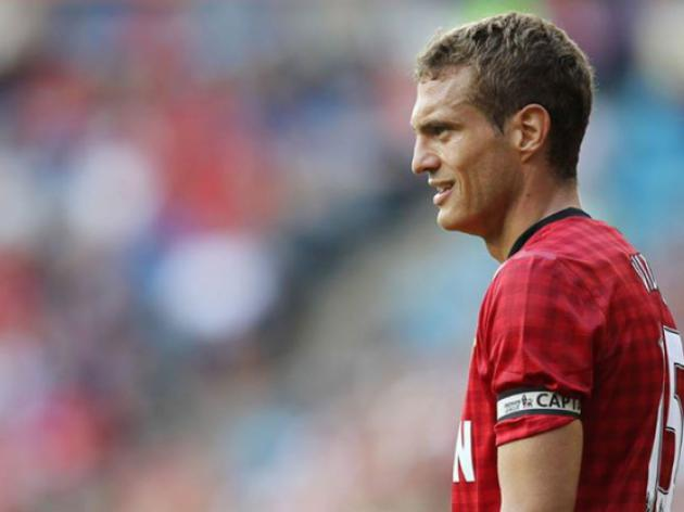 Manchester United skipper Nemanja Vidic's injury a concern for Moyes