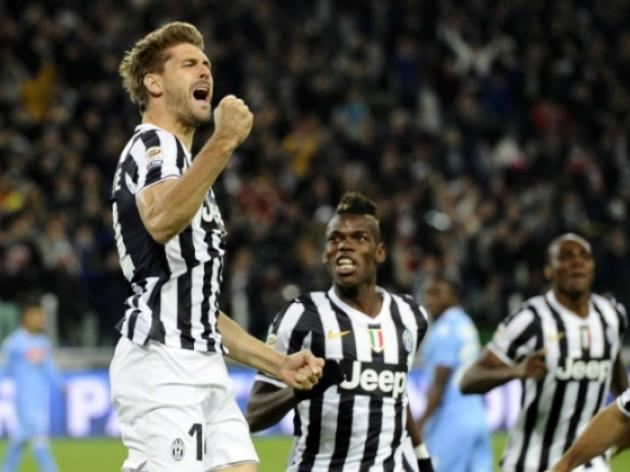 Juve stun Napoli 3-0 to close gap on Roma