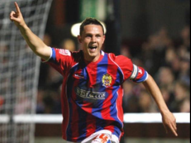 Arber spot on to end Daggers slump