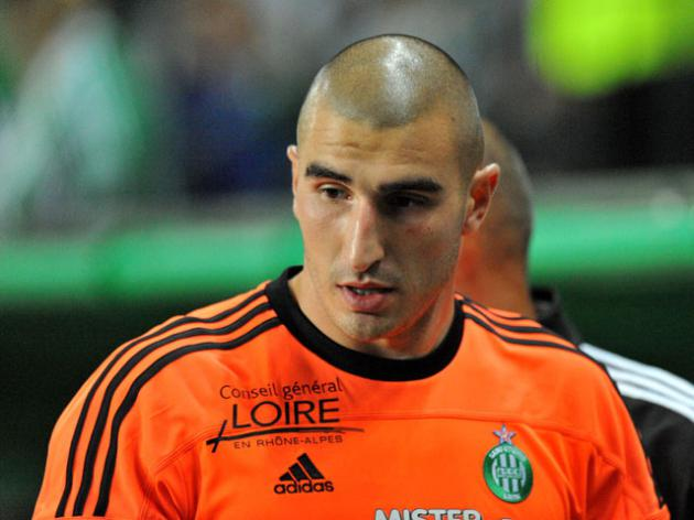 Lyon chief accuses St Etienne keeper of attack