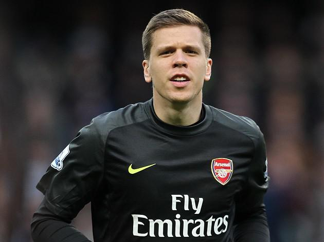 Szczesny happy with Arsenal defence