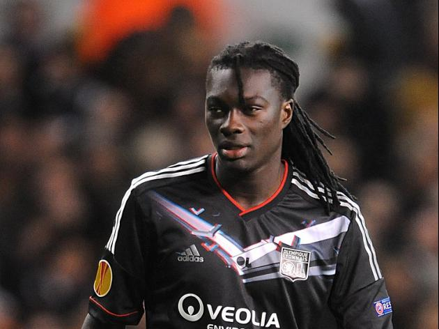 Swans swoop for Gomis