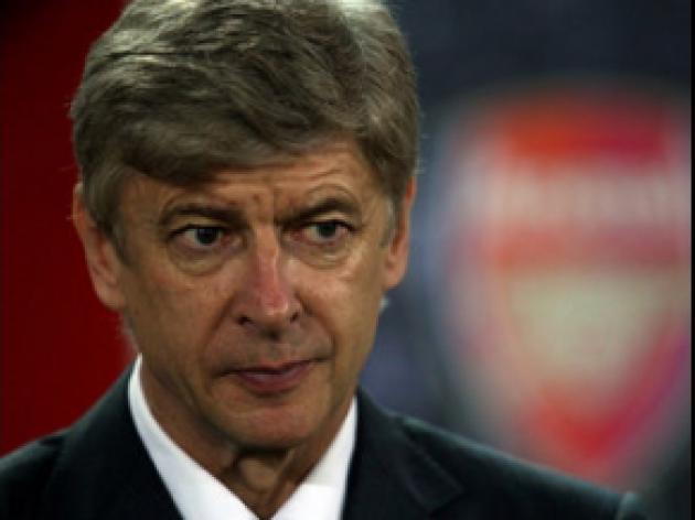 Wenger: Robin won't be rushed back