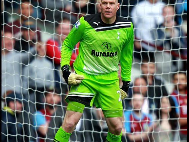 Friedel hits out at 'ignorant' Barthez