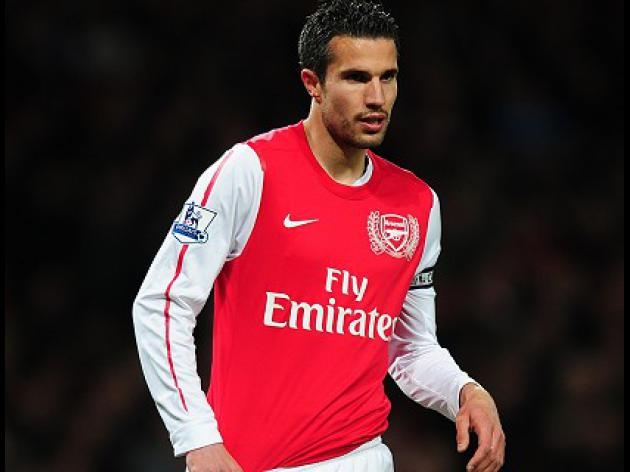 Man Utd sign Van Persie from Arsenal on 4 year deal