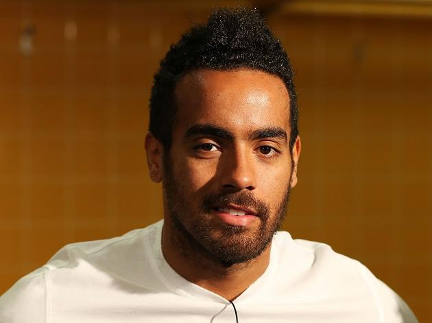 Huddlestone loses his locks