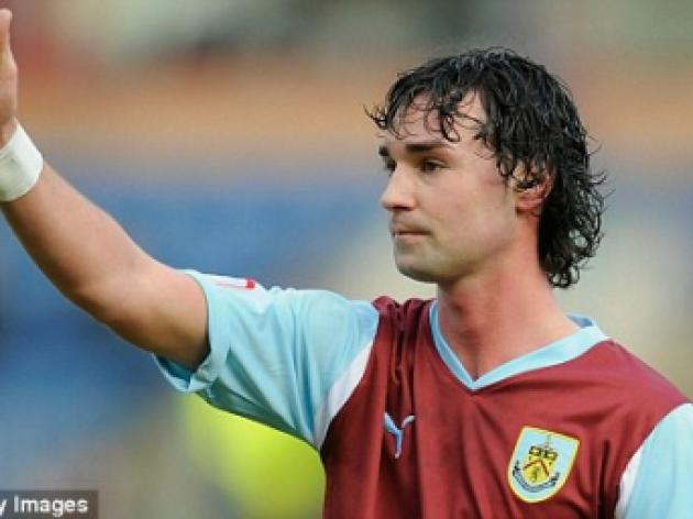 Burnley to sign Chris Eagles and Tyrone Mears
