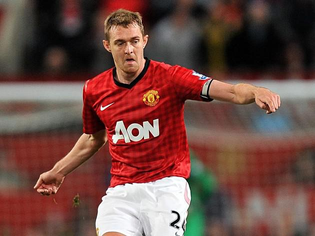 Man United boss Sir Alex Ferguson backs Darren Fletcher surgery