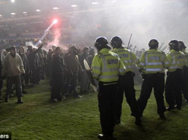 Alex McLeish hits out at Birmingham fans who invaded pitch after Aston Villa win