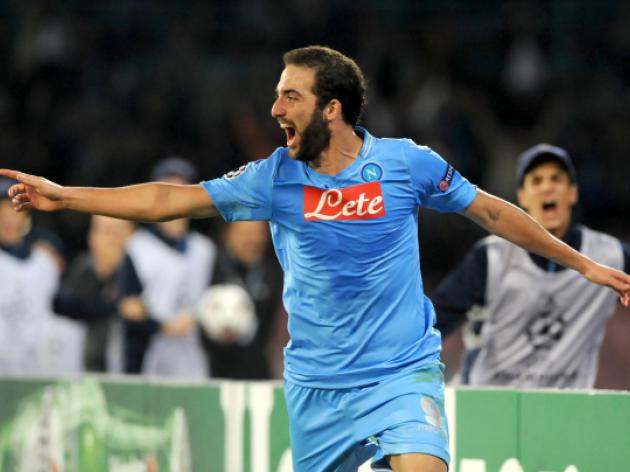 Higuain brace for Napoli sinks Marseille