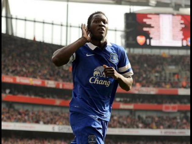 Romelu Lukaku can be world's best striker, says Everton boss Roberto Martinez