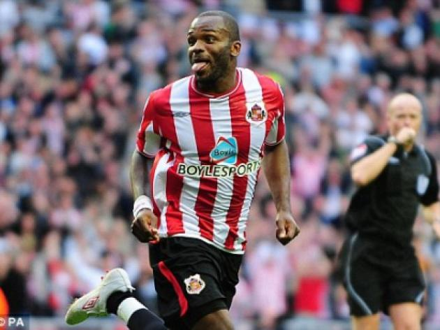 Bruce delighted as Sunderland striker Bent is called up for England squad