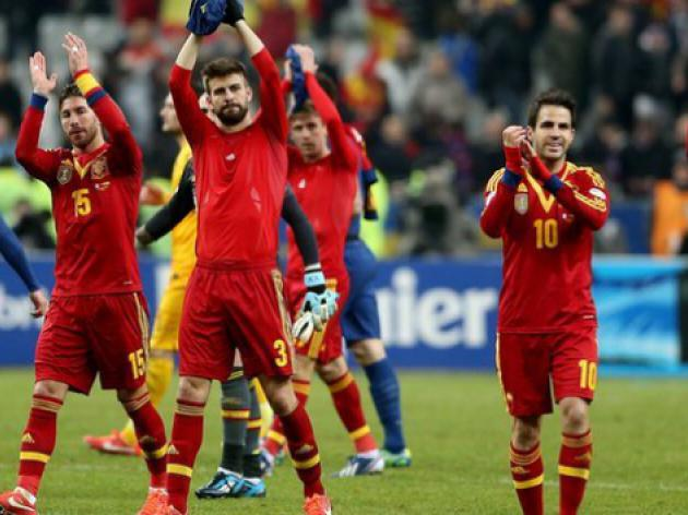 Del Bosque names young stars in full Spain squad