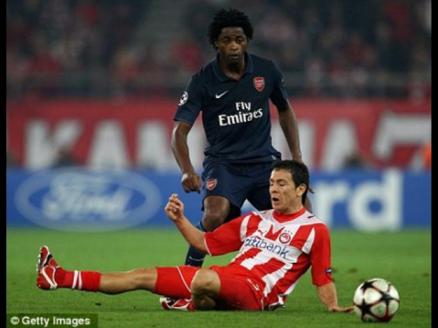 ARSENAL v Man City: Alex Song and Eduardo ease Arsene Wenger's injury crisis