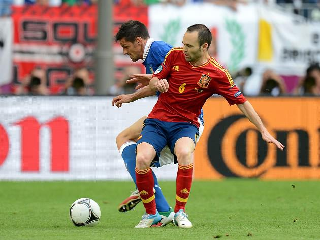 Iniesta frustrated by referee display