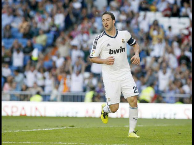 Arsenal and Spurs on alert as Gonzalo Higuain announces Real Madrid exit