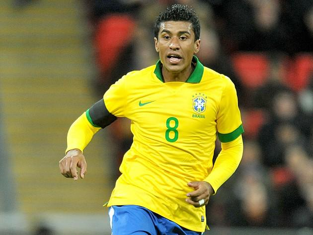 Paulinho leaves it late
