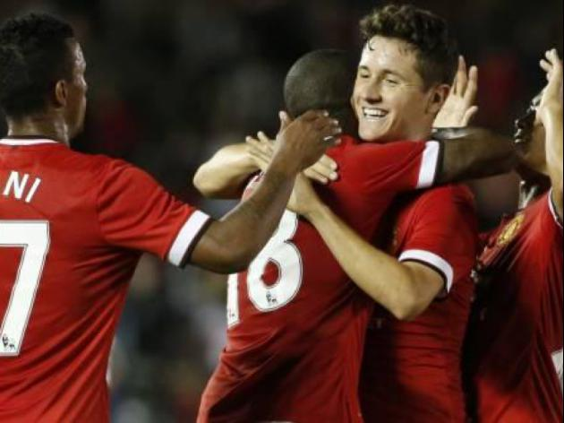 Ashley Young praises Ander Herrera and new formation as Manchester United thump LA Galaxy