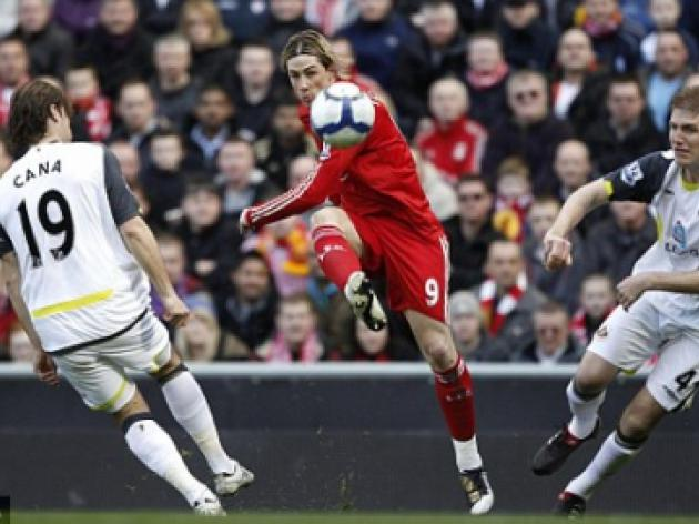 Liverpool 3 Sunderland 0: Terrific Fernando Torres leads Reds' Champions League charge