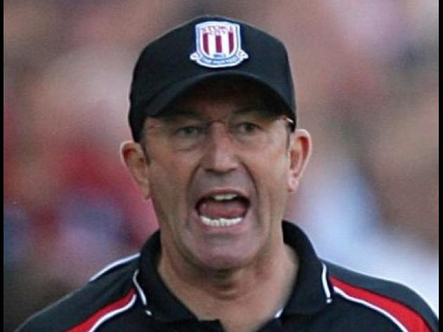 Pulis in the dark over line-up