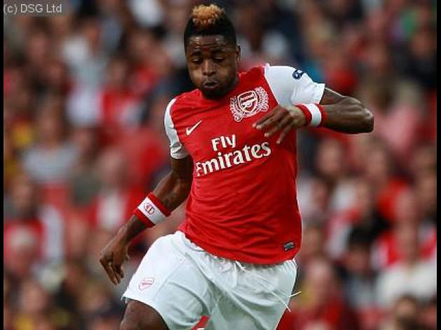Arsenal line up Celtic replacement for Alex song