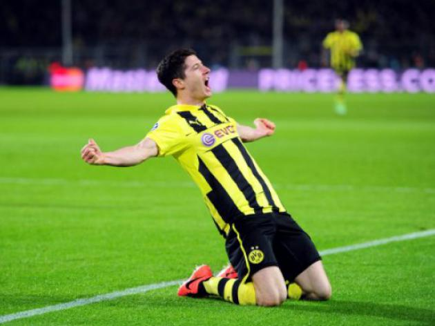 Borussia Dortmund hoping Chelsea beat Bayern to Lewandowski singing