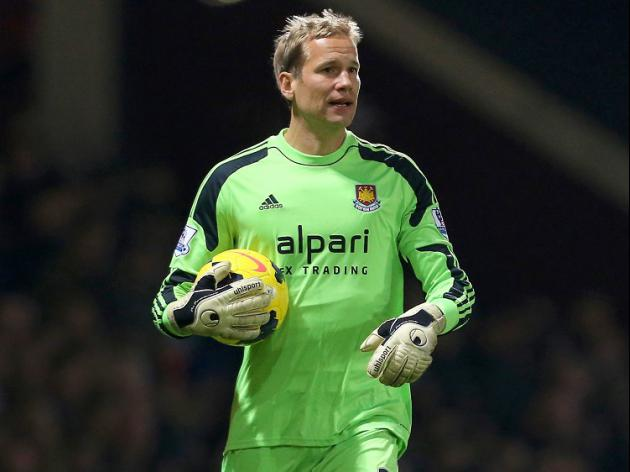 Jaaskelainen signs new one-year Hammers deal