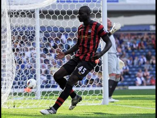 Balotelli shines in City rout