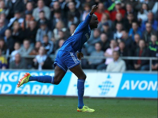 Chelsea keep up pressure at top with win over Swansea