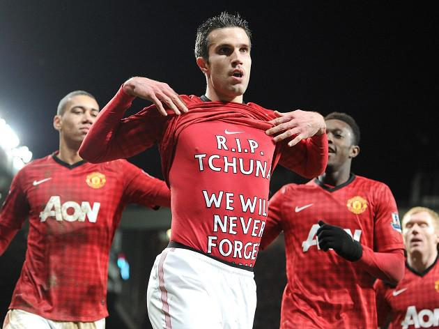 Fergie hails RVP on sad day for striker