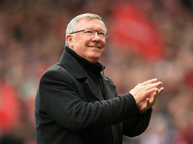 Fergie urges fans to back Moyes
