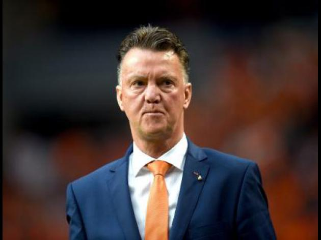 Van Gaal blasts media over training breach