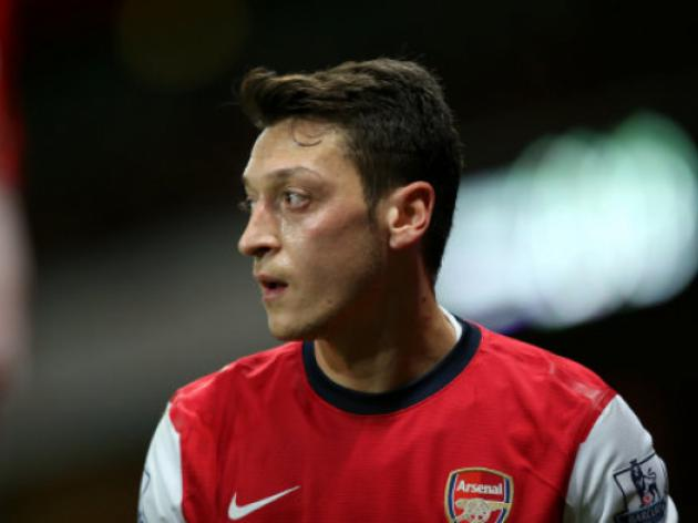 Arsenal's Mesut Ozil - Looking for a Place to Hide
