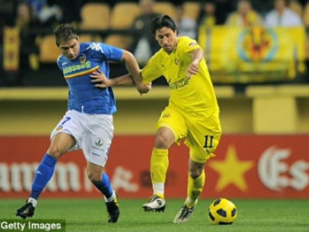 Liverpool set to move for Joan Capdevila after Spain defender rejects new deal at Villarreal