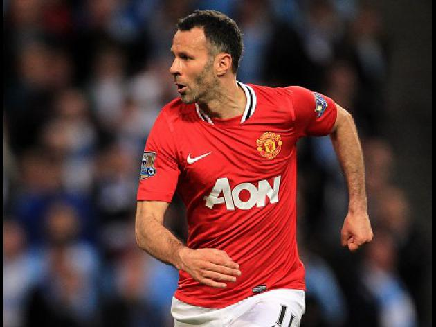 Giggs prepares for coaching career