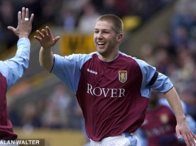 Aston Villa voss Alex McLeish weights up move for Thomas Hitzlsperger