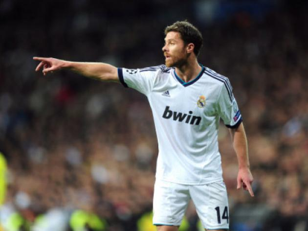 Real Madrid's Xabi Alonso suffers broken foot